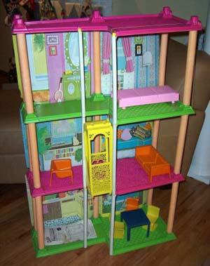 Casa Barbie: la prima casa desiderata da ogni donna  o quasi