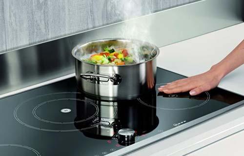 Fornelli a induzione la nuova tecnologia in cucina - Fornelli cucina ...