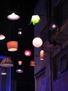 lampadari riciclati : lampadari riciclati ad atene